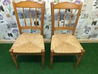 2 MATCHING SOLID GOLDEN OAK FARMHOUSE/KITCHEN DINING CHAIRS, LOVELY CLEAN CONDITION
