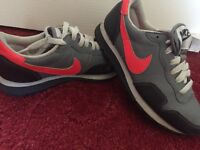 Nike trainers in good condition (size 3,5)