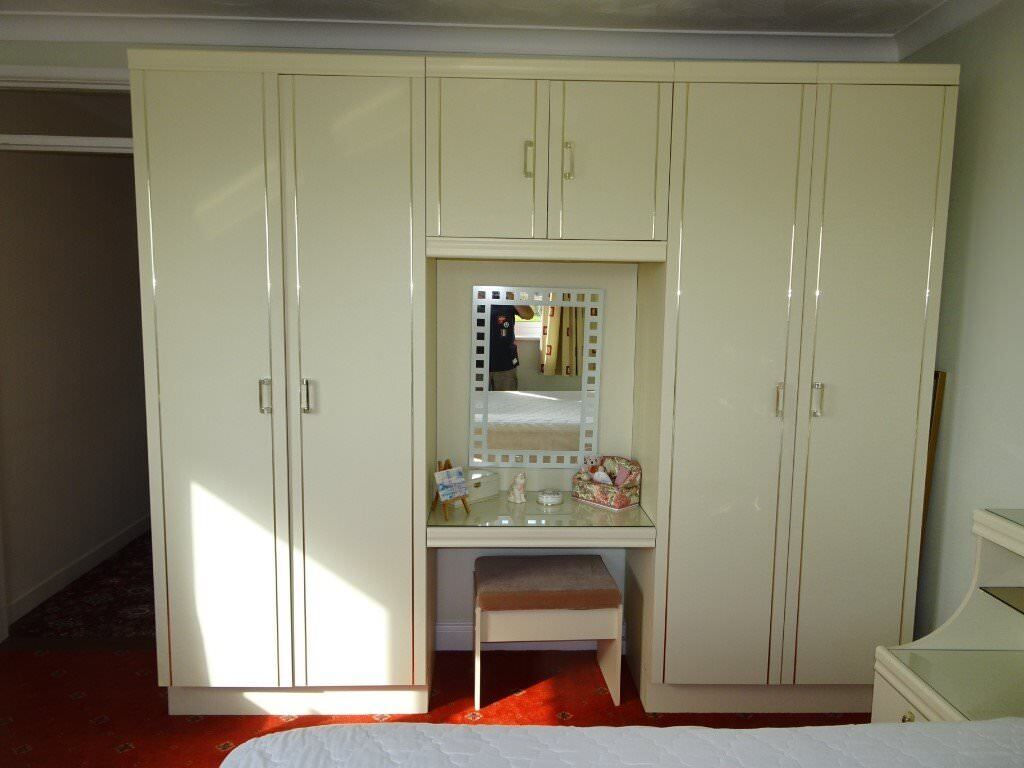 Hygena Bedroom Units Double Wardrobe 2 Cupboard Vanity