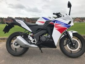 HONDA CBR125R MINT BIKE WITH VERY LOW MILAGE 239 MUST BE SEEN -FINANCE AVAILABLE £2675