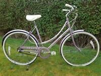 """Vintage 1984 Raleigh Chiltern Ladies Bicycle 20"""" Three Speed"""