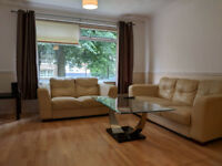 FULLY FURNISHED 3 ROOMS LARGE CITY CENTER FLAT TO LET.