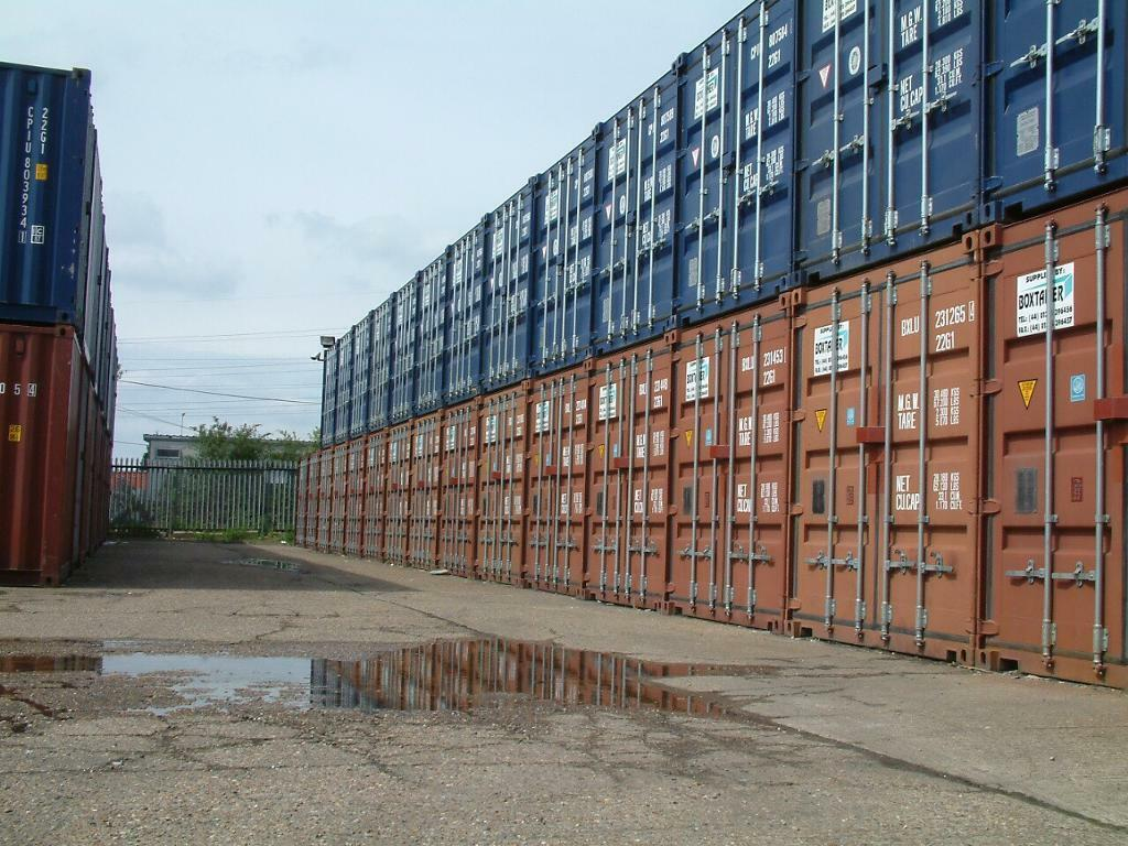 20ft containers Selfstore £20pw