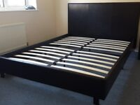 Almost new, good condition comes with matress.
