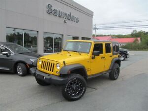 2015 Jeep WRANGLER UNLIMITED Sport 4dr Automatic / Custom Wheels