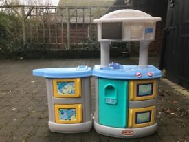 Toy Kitchen with Play food
