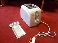 BN. Sainsburys basic toaster.