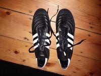 BRAND NEW Adidas 9.5 mundial team trainers