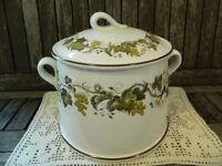 Wedgwood Vine (Croft) Large Casserole Dish and Lid with Green Leaves & Grapes/Brown Rim