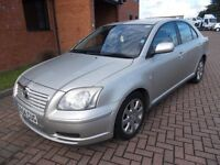 TOYOTA AVENSIS T2 1.8 5 DOOR (04) in SILVER, SERVICE HISTORY