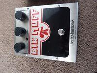 EHX BIG MUFF fuzz pedal