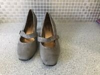 Ladies shoes size 8 grey suede