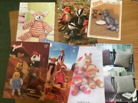KNITTING PATTERNS MOSTLY TOYS USED CONDITION