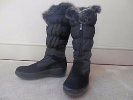 Ladies Antartica size 6 stylish warm winter boot -Unused