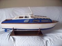 Model Huntsman Cabin Cruiser