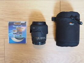 Sigma 18-200mm F/3.5-6.3 DC OS Canon Fit Lens with UV and Polarising Filters and Lens Case
