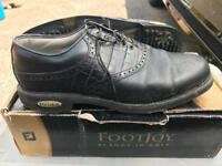 FootJoy Classic Golf Shoes size 9.5 (44)