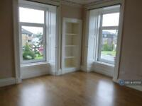 2 bedroom flat in West Princes Street, Helensburgh, G84 (2 bed)