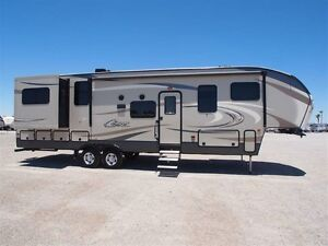 2017 Cougar 326RDS -