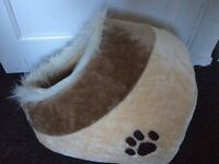 Cat Kitten lovely Warm Cosy Cave Bed Igloo