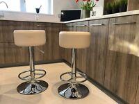 Bar Stools & Glass Poseur Table