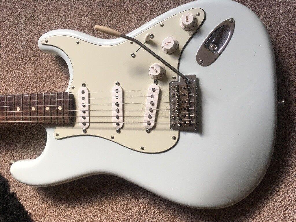 Fender Stratocaster Sonic Blue - Rosewood Fingerboard