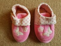 Girls Slippers size 7 - £3