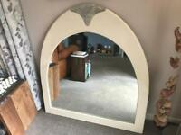 Stunning Feature Mirror