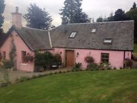 Beautiful Country Cottage with private hot tub in Loch Lomond National Park