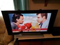 HITACHI 32 INCH LCD TV
