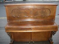 Holling & Spangenberg Piano