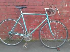Road racing bike