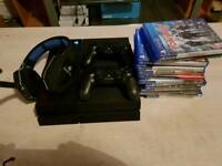 Ps4, 2 controllers, 11 games, wireless headset