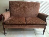 STYLISH PARKER KNOLL 2 SEATER SOFA/SETTEE IN LOVELY CONDITION, RENOWNED QUALITY SOFA MAKER