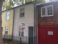 A TWO BEDROOM TERRACED HOUSE TO RENT IN THE CENTRE OF BERKHAMSTED