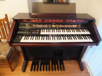 Roland AT-80 Organ
