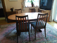 G PLAN EXTENDING OVAL TABLE AND FOUR CHAIRS
