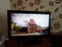 "Samsung 32"" TV with free view in black"
