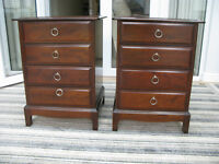 Pair of Stag 'Minstrel' four drawer chest/bedside cabinets.