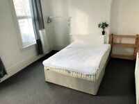 HUGE 4 double bedroom flat to rent in a well desired area!