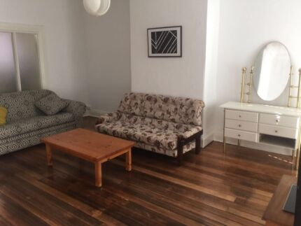 Elwood Big Size One Bedroom Apartment