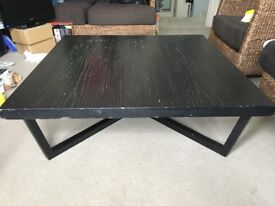 Sturdy coffee table (URGENT SALE!!! Must go by Saturday)