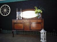 ABSOLUTELY STUNNING SOLID WOOD SIDEBOARD VERY SOLID UNIT IN EXCELLENT CONDITION