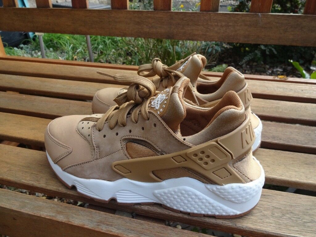 dde975307eef6 Nike Air Huarache trainers. New