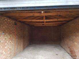 Urgent -LOCK UP SECURE GARAGE TO RENT IN Golders Green, Finchley Road Suitable for Car or Storage