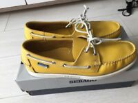 Sebago docksides yellow leather size UK 10.5