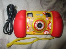 Early Learning Children's Camera - USB lead - 4GB Internal Memory