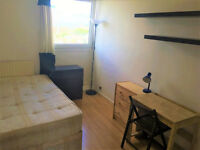 Superb Double Room Available Now - Close to Aldgate East