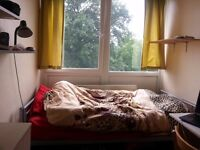 Single room available now in Roehampton near Putney Zone2