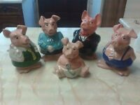 Full set of NatWest Pigs by Wade